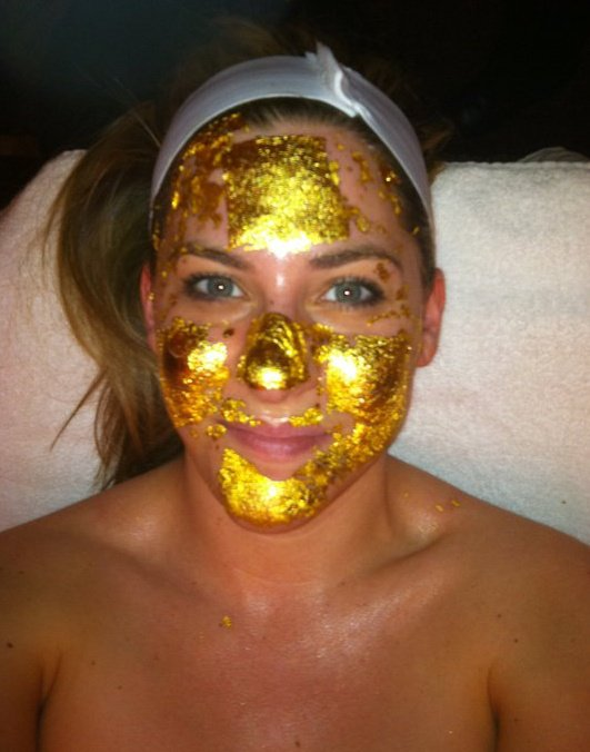 Michelle Joni 24K gold facial